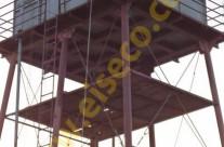 مخزن ذخیره آب شرب 24 متر مکعبي نصب شده روي سکوي فولادي به ارتفاع 30 متر